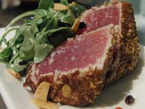 Seared Tuna and Arugula Salad