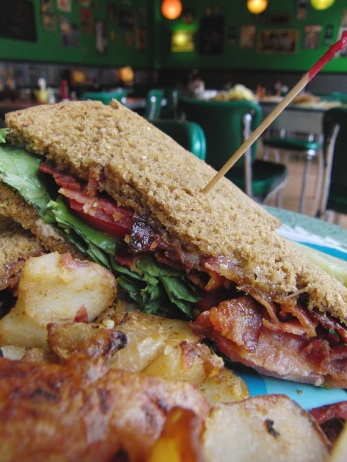 BLT: Lots of real or vegetarian bacon