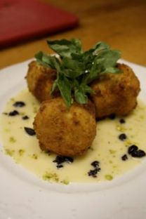 Fried artichoke hearts (Italy) - Filled with gorgonzola, pistachios & basil