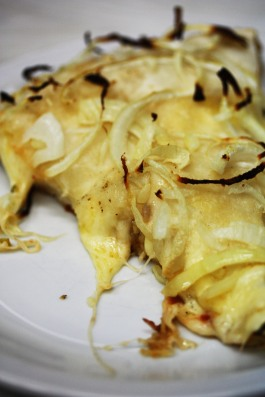 Fugazetta Pizza with onions and cheese