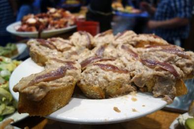 Tuna and anchovy pintxo at Can Bartolo
