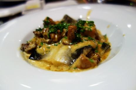 eel with mushrooms