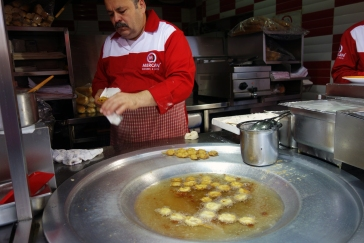 Midye Tava, fried mussels