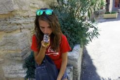 Eating mille-feuille in Gordes