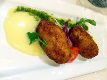 Jámon croquettas at La Azotea in Sevilla
