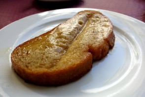 Torrijas (Bread soaked in Honey) at La Parisien in Cádiz