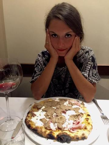 Truffle pizza in Florence