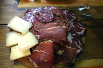 Charcuterie board at Le Rime in Montepulciano