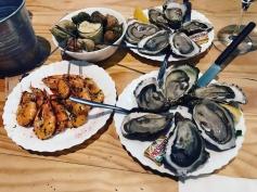 Oysters, bulots, shrimp